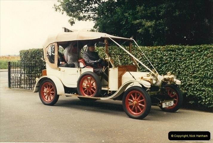 1987-08-01. Poole, Dorset.  (1)384