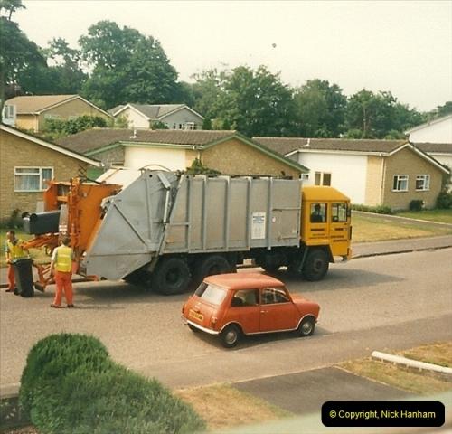 1988-06-30 Parkstone, Poole, Dorset. Note the REAL Mini.393