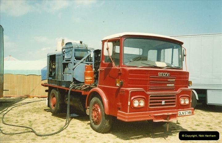1990-08-12 Poole, Dorset.  (2)484