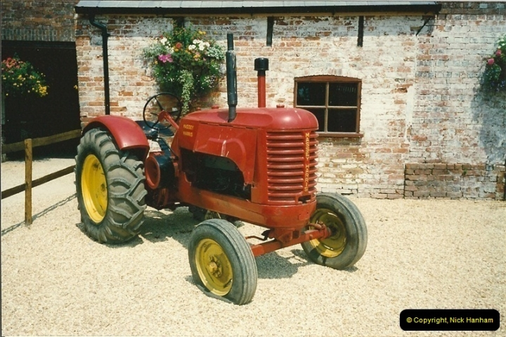 1992-06-14. Stapehill Abbey, Dorset. (4)523