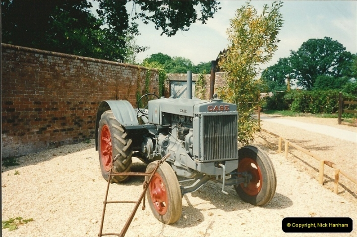 1992-06-14. Stapehill Abbey, Dorset. (6)525