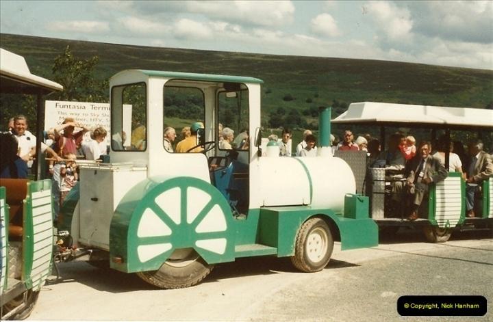 1992-08. Garden Festival Of Whales.535
