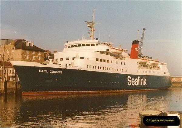 1983-12-04 Weymouth, Dorset.  (1)085