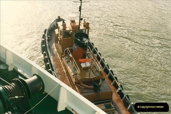 1985-09-03 PooleQuay, Dorset.  (3)110