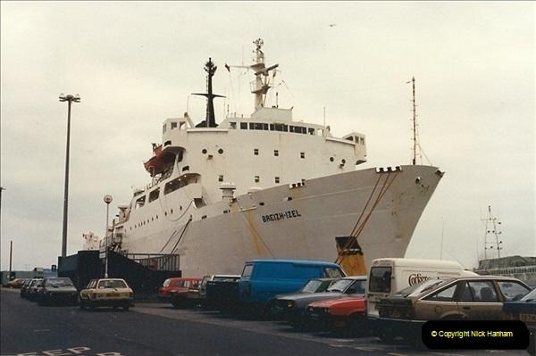 1989-01-02 Poole Quay, Dorset.  (1)156