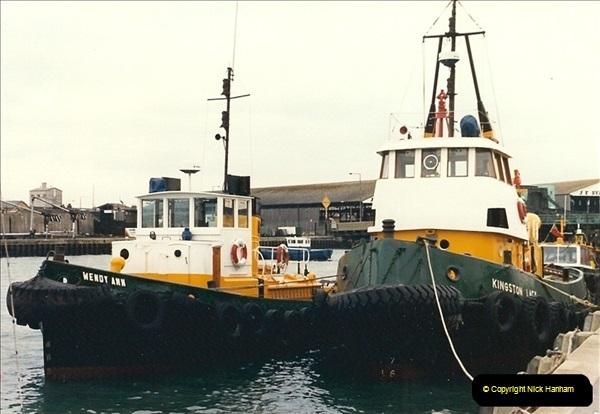 1989-01-02 Poole Quay, Dorset. (4)159