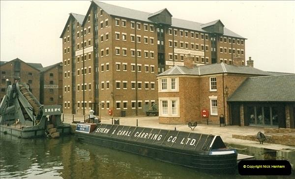 1989-04-14 Gloucester Docks, Gloucestershire. (1)165