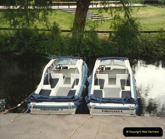 1989-10-02. Hoddesdon, Hertfordshire. (1)174