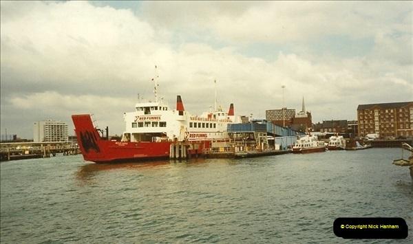 1990-03-25 Southampton, Hampshire.  (3)187