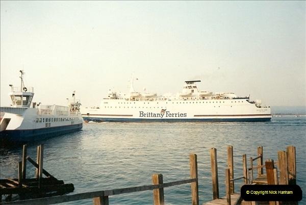 1991 May. Poole Quay, Dorset.  (4)198