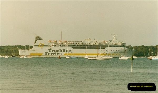 1993-09-04 Poole Harbour, Poole, Dorset.  (8)223