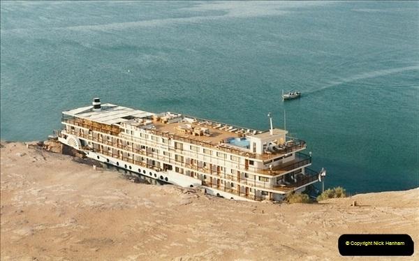 1995-07-17 to 24-07. Aswan, Lake Nasser, Abu Simbel, Aswan (12)305