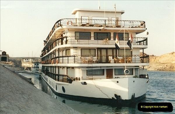 1995-07-17 to 24-07. Aswan, Lake Nasser, Abu Simbel, Aswan (3)296