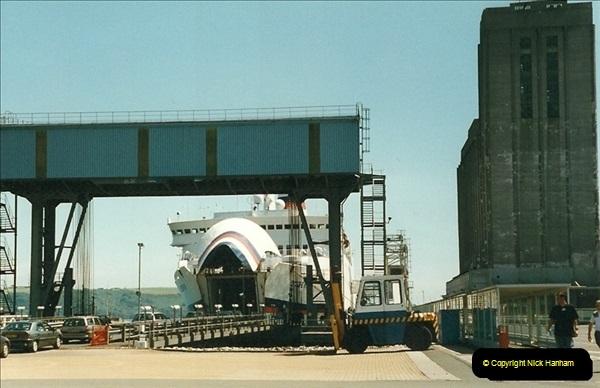 1999-07-08. Plymouth, Devon.  (2)452
