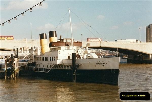 2000-02-08 The River Thames, London.  (1)490