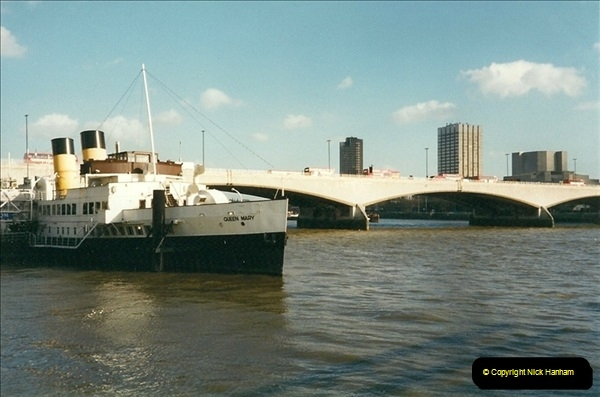 2000-02-08 The River Thames, London.  (2)491