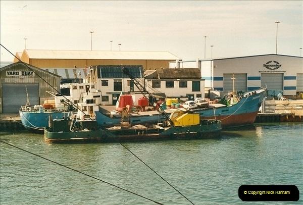 2000-09-03 Poole Quay, Dorset.  (4)498