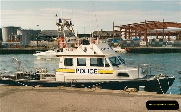2000-09-03 Poole Quay, Dorset.  (8)502