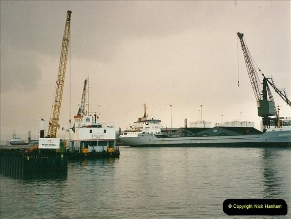 2000-11-13. Poole Quay, Dorset. (4)518