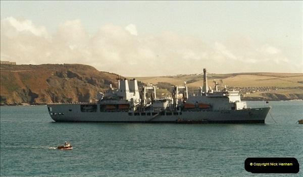 2001-09-29 Plymouth, Devon.  (1)548