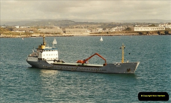 2001-09-29 Plymouth, Devon.  (2)549