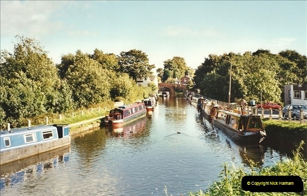 2001-10-11. Lymm, Cheshire.551