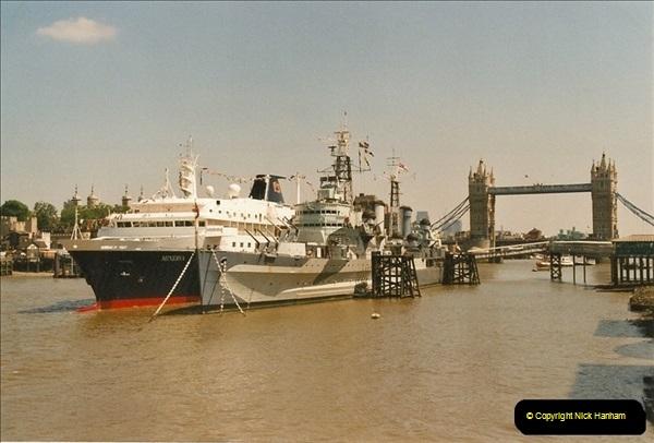 2002-06-17. HMS Belfast, London. (2)574