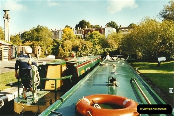 2002-09-28 to 10-04. Kennet & Avon Canal & River Trowbridge to Bristol. (36)652