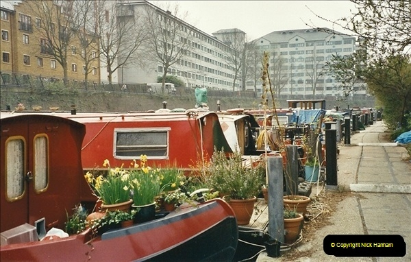 2003-03-29. Regents Canal, Camden, London. (6)674