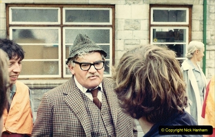 1981-06-15 The Two Ronnies being filmed on the SR with your Host driving one of two locos. (2) 013