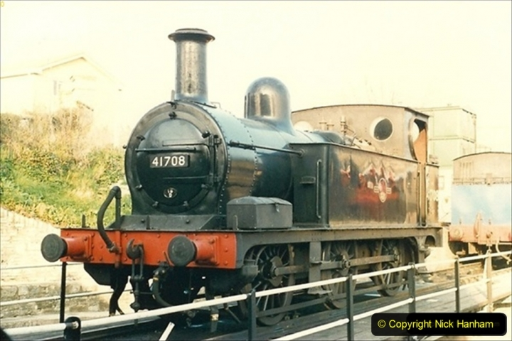 1988-04-08 41708 arrives on the SR. 069