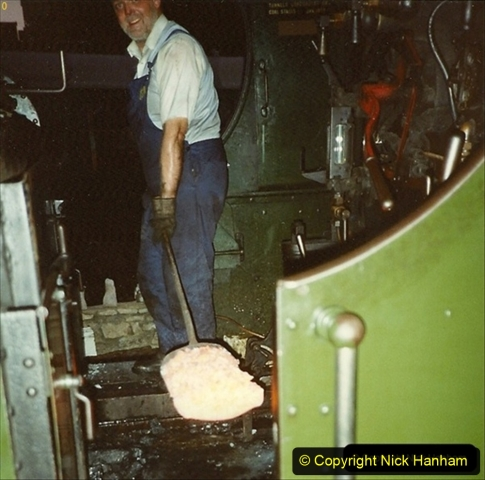 1989-09-24 Your Host cleaning the fire of 7752. 100