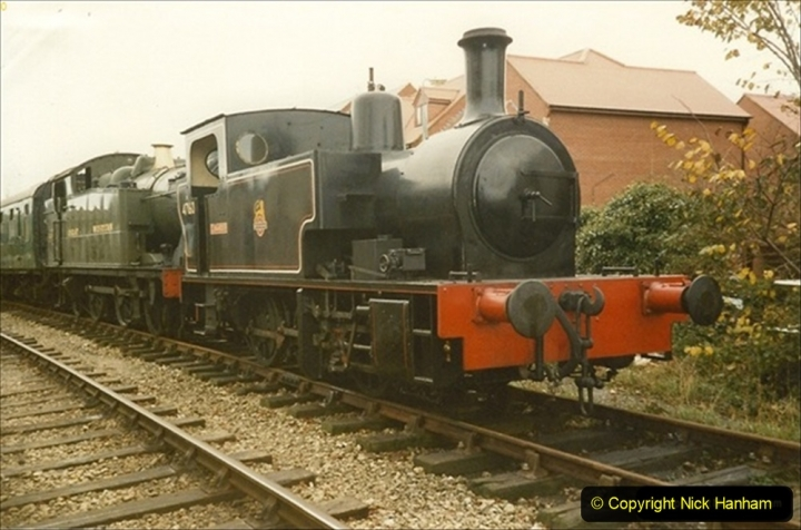1990-11-11 Cunarder now with side tanks. 133
