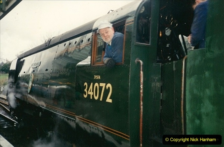1992-12-26 Your Host driving 34072 on Boxing Day. 172