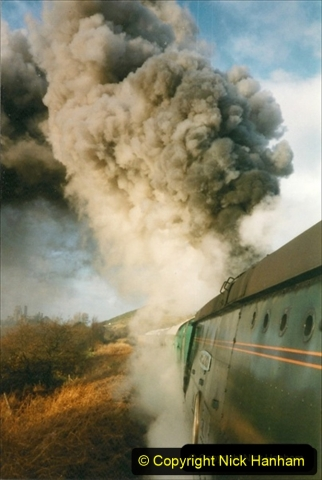 1998-11-29 Bill Alborough (TEFS Tours) hire the SR steam hauled dining train during the SR Diesel Gala. Your Host driving 34072. (3) 258