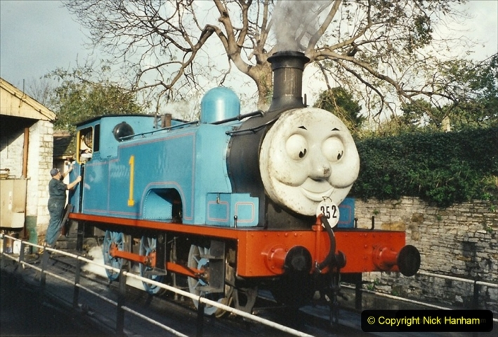 2001-10-24 Driving Thomas. 285