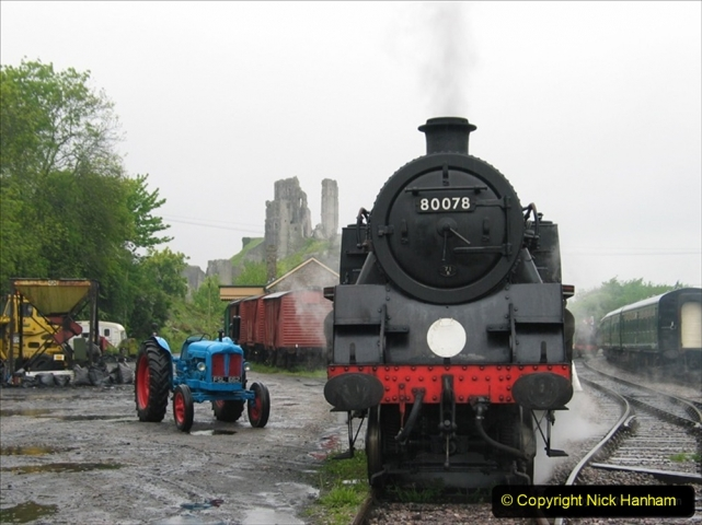 2005-05-19 Driving 80078 on a photo shoot at Corfe Castle. 316