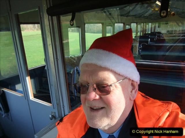 2009-12-13 Driving Santa Specials DMU (2) 388