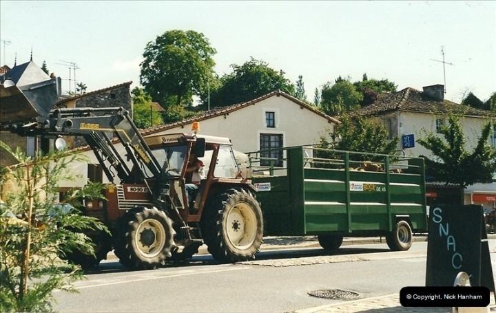 1999-07-23. Charroux, France.039039