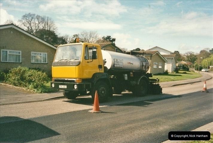 2000-04-13. Resurfacing work, Poole, Dorset. (17)067067