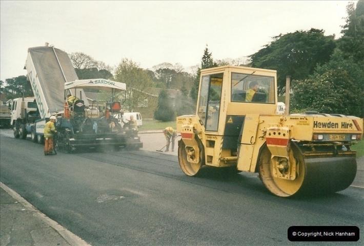 2000-04-13. Resurfacing work, Poole, Dorset. (20)070070