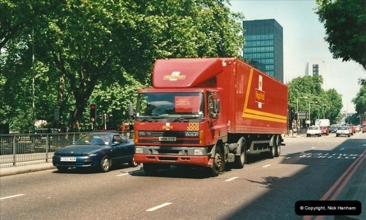 2000-08-15 London.  (2)083083