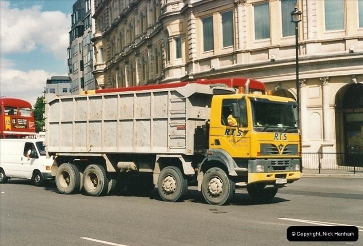 2000-08-15 London.  (4)085085
