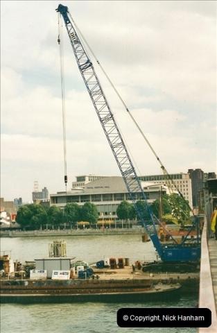 2000-09-08 Hungerford Bridge, London. (2)104104