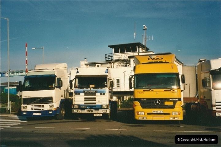 2001-01-28 Poole Quay, Dorset.  (3)142142