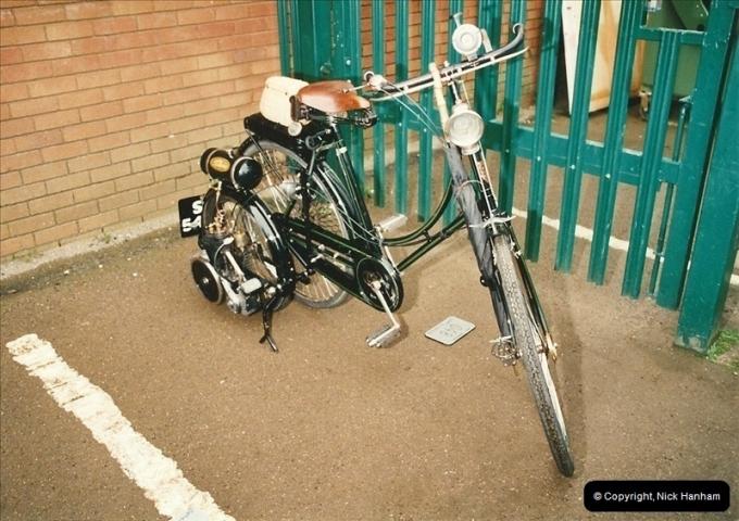 2002-06-17. The Vintage Motorcycle Club's Banbury Run, Banbury, Oxfordshire. (15)219219