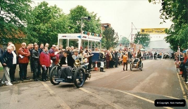2002-06-17. The Vintage Motorcycle Club's Banbury Run, Banbury, Oxfordshire. (20)224224