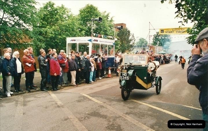 2002-06-17. The Vintage Motorcycle Club's Banbury Run, Banbury, Oxfordshire. (21)225225