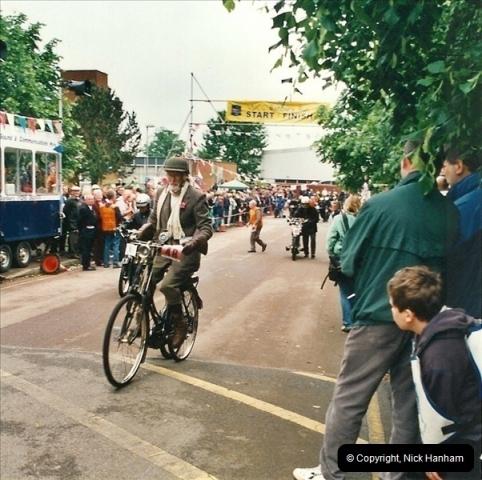 2002-06-17. The Vintage Motorcycle Club's Banbury Run, Banbury, Oxfordshire. (25)229229