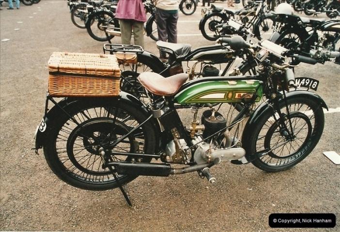 2002-06-17. The Vintage Motorcycle Club's Banbury Run, Banbury, Oxfordshire. (9)213213